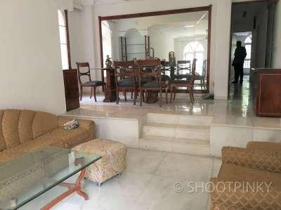 Full furnished 3BHK flat bandra