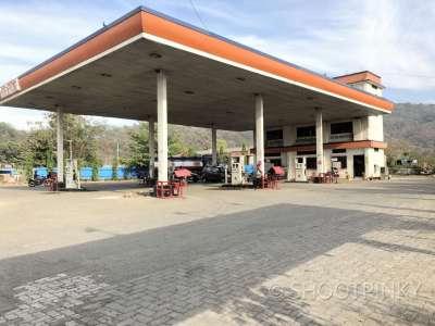 Petrol pump ghodbundar