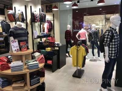 Clothing showroom 2