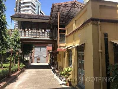 Exterior Girls hostel school tardeo