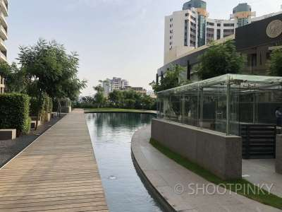 Rich Flat & Building Oshiwara