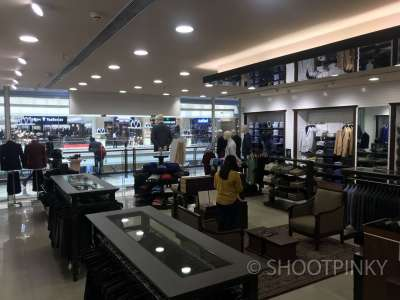 Multi brand showroom