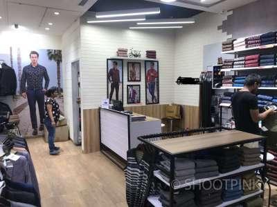 Clothing showroom 4