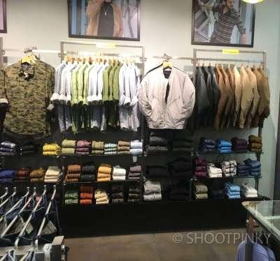 Clothing showroom 3